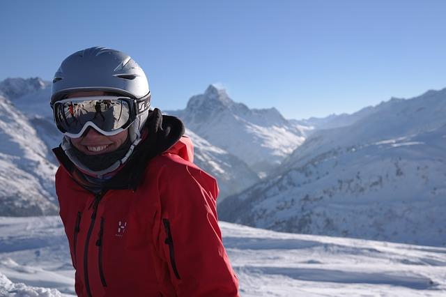 skier-999278_640